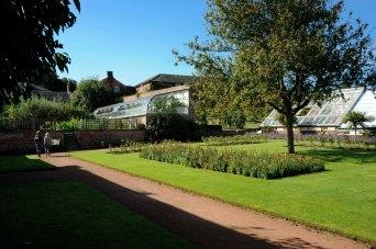 109 CannonHallGuideBook_8419-gardens