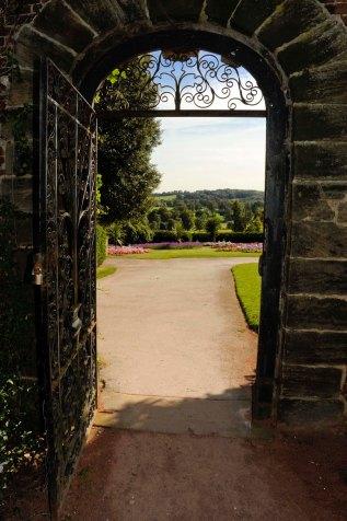 80 CannonHallGuideBook_8417-gardens